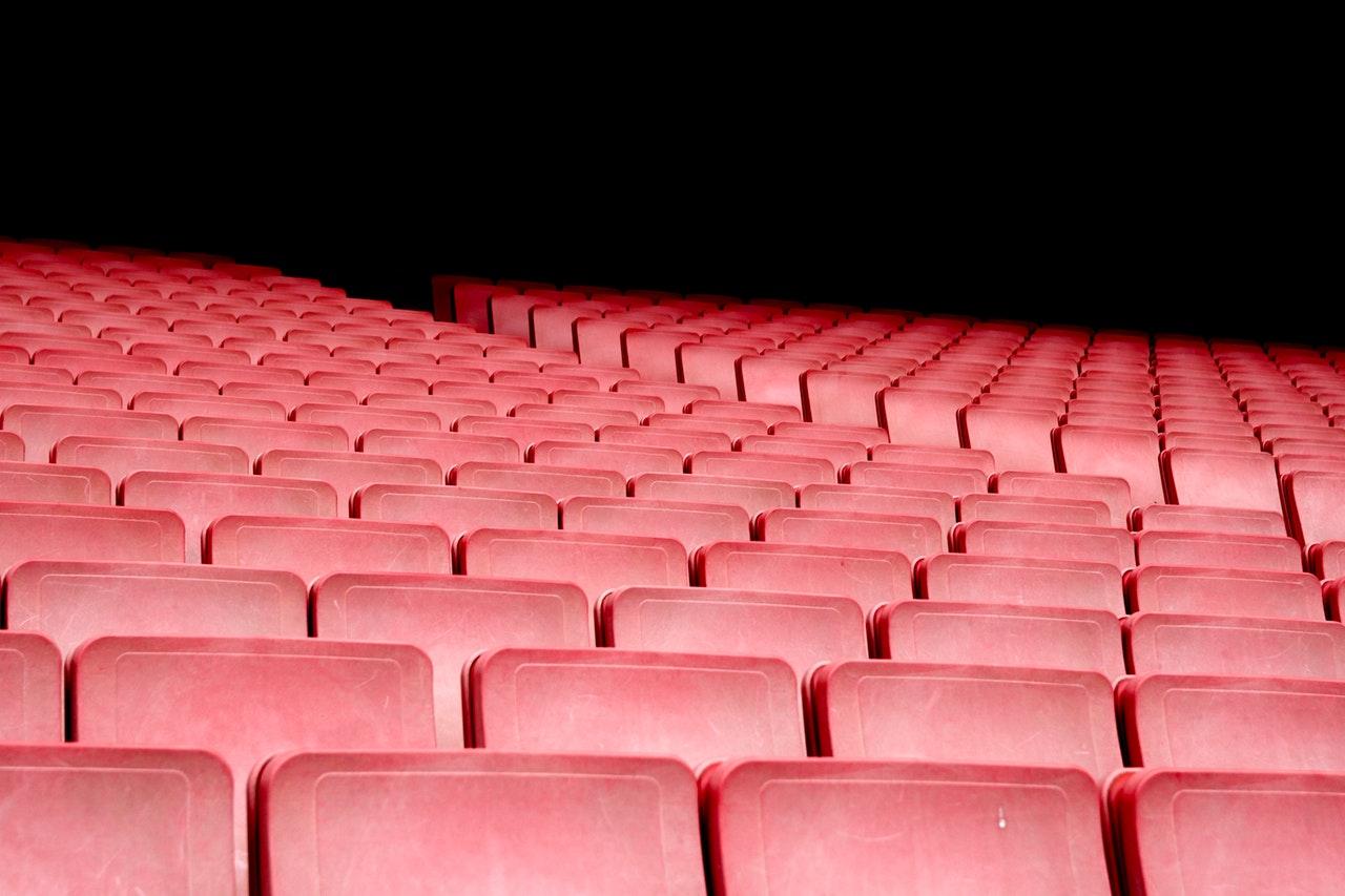 audience-auditorium-bleachers-391535